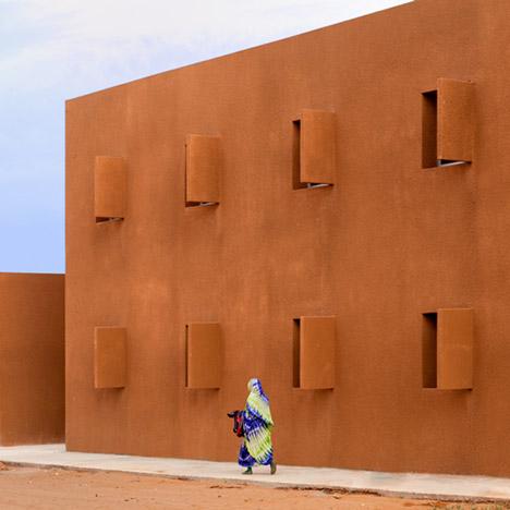dezeen_Technology-School-of-Guelmim-by-Saad-El-Kabbaj-Driss-Kettani-and-Mohamed-Amine-Siana_top1